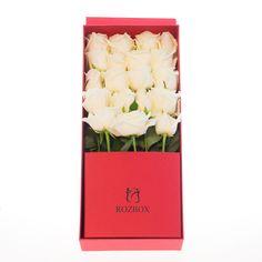 Белые розы в красной коробке - прекрасное сочетание! Собственное производство цветочных и подарочных коробок.