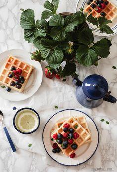Waffle di farro, allo yogurt greco e latte di avena (1)