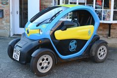 Renault Twizy (Electric Car) by clicks_1000 (Catching up...), via Flickr
