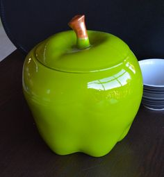 Granny Smith Green Apple Cookie Jar Antique Cookie Jars, Apple Cookies, Apple Theme, Vintage Cookies, Ceramics Ideas, Granny Smith, Thats The Way, Vintage Green, Cookie Monster