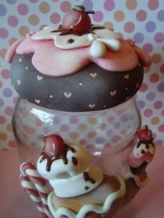 .Cup Cake Clay Cover for Jars 1