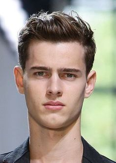 http://mensfashion.about.com/od/goominghair/ss/PEf05hairshort_3.htm