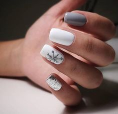 Still worrying about finding beautiful nail art? Check out the most popular nail art in winter. Too long nail art… Christmas Gel Nails, Holiday Nails, Christmas Makeup, Nagellack Design, Minimalist Nails, Best Acrylic Nails, Winter Acrylic Nails, Dream Nails, Nagel Gel