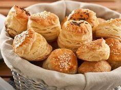 Báječne smotanovo – maslové pagáče Pie Recipes, Appetizer Recipes, Snack Recipes, Cooking Recipes, Snacks, Cheese Pie Recipe, Cheese Pies, Good Food, Yummy Food