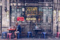 Dans le milieu des jeunes voyageurs indépendants, la cité des Anges dite Bangkok est souvent présentée comme la ville paradis, la mégalopole de tous les possibles. A prime abord étonnante mais guère impressionnante, elle a su me séduire au fil de mes visites. A chacun des mes passages je la …