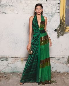 #redcarpet Carpet Styles, Red Carpet Fashion, Outfit Posts, Formal Dresses, Outfits, Dresses For Formal, Suits, Formal Gowns, Formal Dress