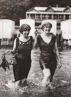 ▫Duets▫groups of two in art & photos - Two friends hit the beach c. 1919