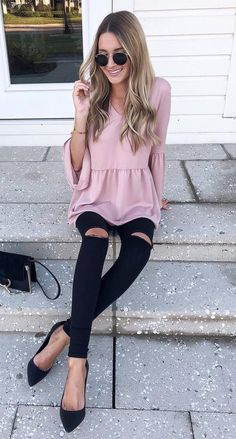 black and blush | blouse bag heels ripped skinny jeans
