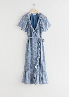 Ruffled Midi Wrap Dress - Blue Florals - Midi dresses - & Other Stories Velvet Midi Dress, Green Midi Dress, Wrap Dress Floral, Dress Red, Fancy Dress, Blue Dress Casual, Blue Dresses, Midi Dresses, Casual Dresses