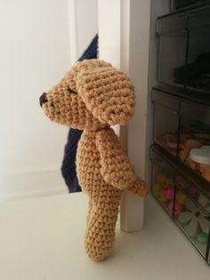 Von mir für Euch. Habt viel Spaß beim Häkeln <3 Anleitung Kleiner Wuff Länge: ca. 11,5cm Schwierigkeitsgrad: leicht Aufwand: ca. 1,5h Ich habe ca. 20g Baumwolle der Stärke 3 in Hellbraun, sowie … Male To Female Transition, Stoff Design, Greek Gods And Goddesses, Infancy, Crochet Projects, Lana, Things To Come, Presents, Knitting