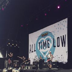 "maddlsonanne: ""All Time Low at Soundwave is freaking mint. """