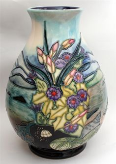 MOORCROFT ISLAY PATTERN VASE 7.75ins RACHEL BISHOP {C}1998 1st QUALITY