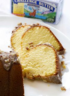 Made it with Lacanto! perfect buttery pound cake with the most delicate crumb is topped with a pecan butter glaze. It's a SHOWSTOPPER! Cakes To Make, How To Make Cake, Butter Pound Cake, Cream Cheese Pound Cake, Fun Desserts, Dessert Recipes, Baking Recipes, Kentucky Butter Cake, Crunch Cake