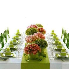 Green place settings with green and pink palette centerpieces. Centerpiece Decorations, Wedding Centerpieces, Wedding Table, Wedding Decorations, Green Centerpieces, Wedding Reception, Wedding Venues, Table Arrangements, Floral Arrangements