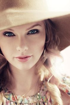 Taylor swift is gorg