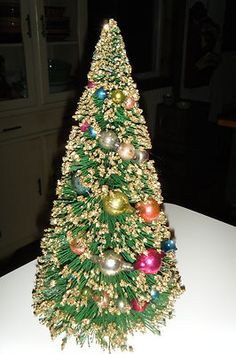 Vintage green bottle brush tree, glitter - I have one just like this! rf