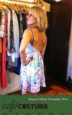 Vestido lindo da Monica mostrando as costas! Vai fazer sucesso no verão!