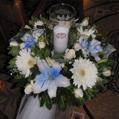 56b038db2cc8 Εσωτερικός Στολισμός Γάμου με σύνθεση με κερί σε λευκή και γαλάζια απόχρωση