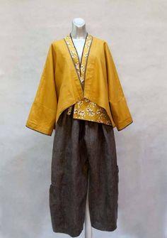Clothing by Joan Ragno, Upmarket Design