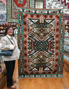 Native American Rugs, Native American Pictures, Native American Artists, Native American Women, American Indian Art, Native American Indians, American History, Navajo Weaving, Navajo Rugs