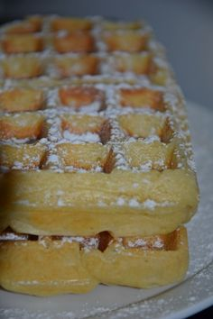 Good Food, Yummy Food, Beignets, Churros, World Recipes, Mini Desserts, Biscuits, Macarons, Deserts