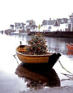 Coastal Christmas - Christmas row boat
