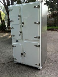 Diligent Dwarves: A 2011 Samsung Fridge becomes a 1930's fridge