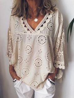 Plus Size Summer Women Cutout Blouse T Shirt Tunic Top – jullymart Casual Tops, Casual Shirts, Casual Styles, Sexy Bluse, Plus Size Summer, Loose Tops, Plus Size Blouses, Plus Size Tops, Blouse Vintage