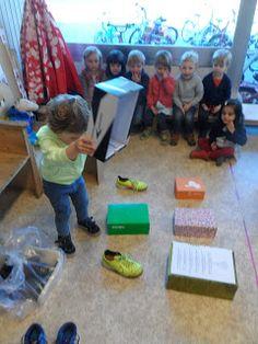 1ste kleuterklas C - Juf Natalie: Voetje, voetje, voetje,... 3 Year Old Activities, Motor Activities, Preschool Activities, Kindergarten Themes, Teaching Kindergarten, 3 Year Olds, School Themes, Small Groups, Games For Kids