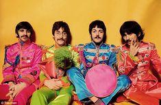 Richard Starkey, John Lennon, Paul McCartney, and George Harrison (Sgt Pepper) Beatles Bible, The Beatles, Beatles Art, Yoko Ono, Abbey Road, George Harrison, Paul Mccartney, John Lennon, Rock N Roll