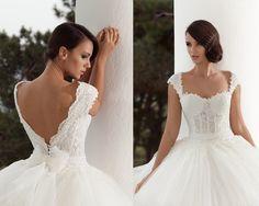 derin sırt dekolteli prenses ve kabarık gelinlik modelleri-sırtı açık gelinlik modelleri 2016-nova bella gelinlik nişantaşı Lace Wedding, Wedding Dresses, Nova, Model, Fashion, Bride Dresses, Moda, Bridal Gowns, Alon Livne Wedding Dresses