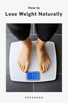 Losing weight doesn't have to be a grandiose, daunting task. Try these expert-approved, supersimple tips to lose weight naturally and keep it off. Weight Loss Blogs, Weight Loss Drinks, Weight Loss Workout Plan, Weight Loss Motivation, Fat Workout, Body Workouts, Lose Weight In A Week, How To Lose Weight Fast, Weight Loss Tablets