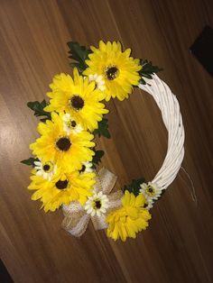 My handmade Hobby Door Decoration Yellow Sunflower Vintage Yellow Sunflower, Grapevine Wreath, Grape Vines, Wreaths, Decoration, Handmade, Vintage, Decor, Hand Made