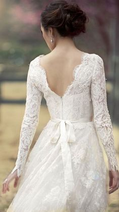 Wedding dress idea; Featured Dress: Monique Lhuillier