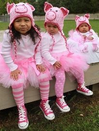 Pig costumes for girls Sister Halloween Costumes, Pig Costumes, Fancy Costumes, Halloween Costume Contest, Halloween Fun, Costume Ideas, Group Costumes, Adult Costumes, Glitter Shoes