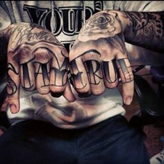 How much does a knuckle tattoo hurt? We have knuckle tattoo ideas, designs, pain placement, and we have costs and prices of the tattoo. Ghetto Tattoos, Badass Tattoos, Body Art Tattoos, Tatoos, Tattoo Writing Styles, Writing Tattoos, Unique Tattoos For Men, Hand Tattoos For Guys, Bild Tattoos