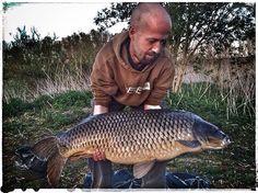"JUANN BOCCA op Instagram: ""FIRST Catch of the day :) with @ambrosiaoostvlaanderen #fish #Belgium #Carp #nature #channel #water #scenery #karper #karpervissen #common #panorama #clowds #focus #hengelen #vissen #world #photo #photographer #spots #rods #Ambrosia #AmbrosiaPower #AmbrosiaCarpBaits #openwater #fishlife #torque #springtime #setup #travel"""
