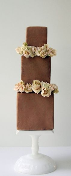 <3 this chocolate wedding cake
