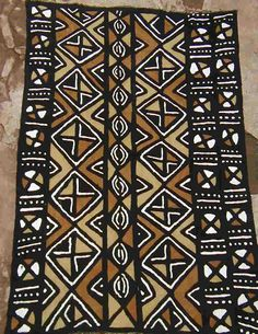 Mali- Mudcloth Fabric (Bogolan)             cloth, river soil, leaves, sun