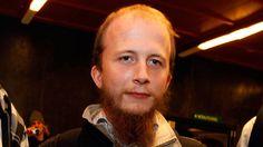 The Pirate Bay torrent sitesinin  kurucularından #Anakata kod adlı, Gottfrid Svartholm Warg, Amerikan CSC firması  tarafından yönetilen sistemler üzerinden yasadışı yollarla dosya download etmekten suçlu bulundu. #thepiratebay #hacking