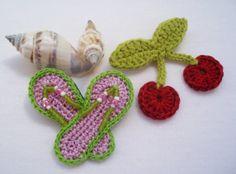 Set #boho chic de dos broches de cerezas y chanclas  tejidos a por DIDIcrochet,
