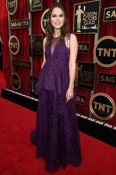 Pregnant Keira Knightley is gorgeous in this purple Erdem at 2015 SAG Awards - HarpersBAZAAR.com