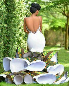 Bridal List: Viral 2019 Ghanaian 🇬🇭 Jaw-Dropping Kente Wedding Dress A Bride Must Have Latest African Fashion Dresses, African Dresses For Women, African Print Fashion, African Prints, Africa Fashion, African Women, Dress Fashion, Fashion Outfits, African Traditional Wedding Dress