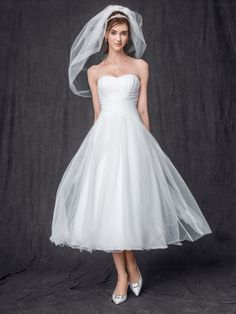 David's Bridal Collection Strapless Tulle Tea Length Wedding Gown Style WG3486