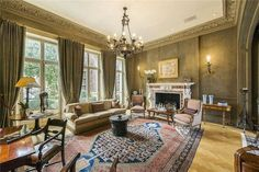 Quiet eclectic style in this Knightsbridge residence.