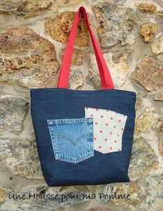 Purse bag to hold on the shoulder. Made of old recycled blue denim jeans and coton fabric. Quilting style denim jeans pieces and red starts themes for this un Jean Purses, Purses And Bags, Denim Tote Bags, Denim Crafts, Diy Handbag, Recycled Denim, Patchwork Bags, Fabric Bags, Blue Denim Jeans