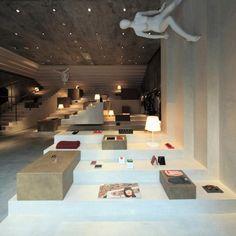 Alter Store, em Xangai, China. Projeto do escritório 3Gatti Architecture Studio. #moda #atitude #fashion #fashionattitude #lojaconceito #conceptstore #storedesign #interior #interiores #artes #arts #art #arte #decor #decoração #architecturelover #architecture #arquitetura #design #projetocompartilhar #davidguerra #shareproject #alterstore #xangai #shanghai #china #3gattiarchitecturestudio