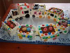 Annun junakakku Barn, Desserts, Kids, Food, Tailgate Desserts, Young Children, Converted Barn, Deserts, Boys
