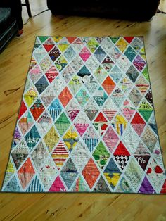 Triangle Quilt My Favorites Quilt (cutting into treasured fabric)monkey beans: My Favorites Quilt - use special fabrics as a memory quiltDiamond quilt pattern with sashing made with some seriously outstanding Japanese fabrics.Non traditional tshirt q Quilting Projects, Quilting Designs, Sewing Projects, Quilting Ideas, Quilt Design, Scrappy Quilts, Baby Quilts, Quilt Inspiration, Style Inspiration