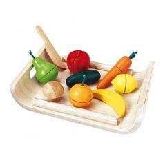 Assortiment de fruits et légumes en bois